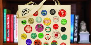 Tote bag with buttons